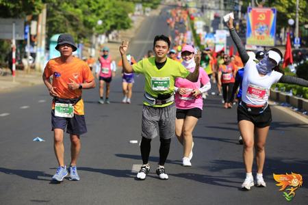 Chạy bộ cuối tuần và ước mơ chạy khắp Việt Nam